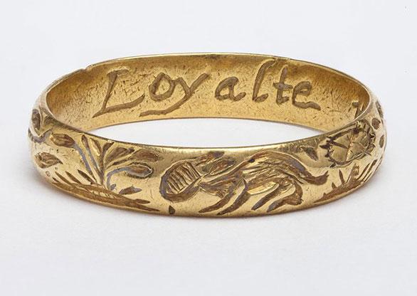 3192ff250db Os anéis Posie  joias com mensagens personalizadas desde a Idade Média