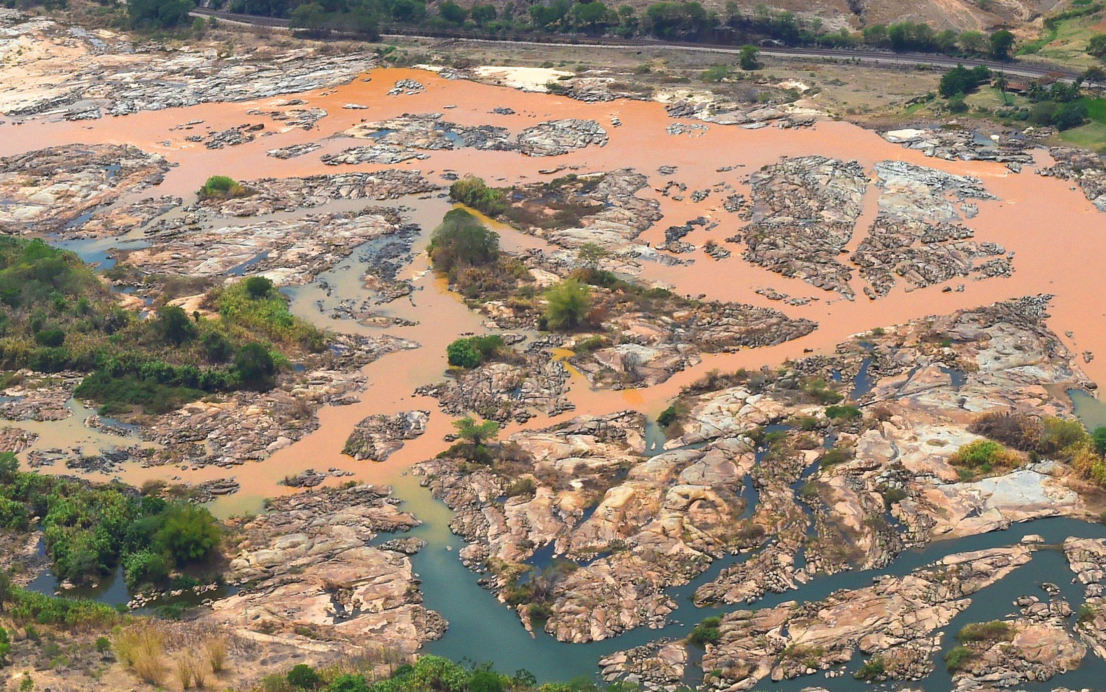 3a148c70d42 Empresa busca licença para extrair ouro em área afetada pela tragédia de  Mariana
