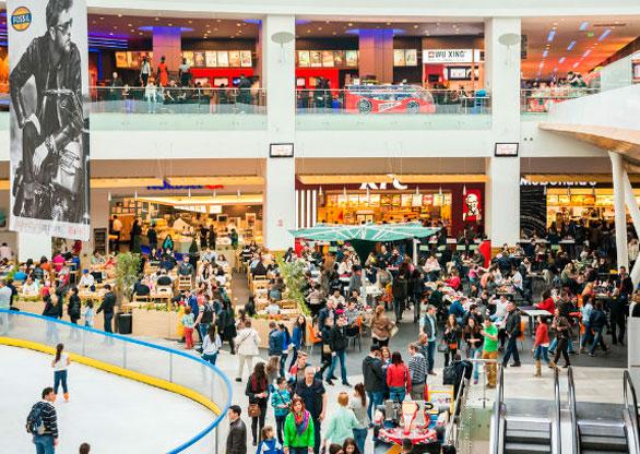 b31183c73dd Fluxo de visitantes a shoppings no país tem alta de 5