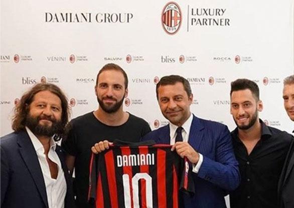 c0dfd461c8f O Milan tem um novo parceiro de luxo. O clube italiano fechou nesta  quarta-feira (19) um patrocínio com o grupo Damiani