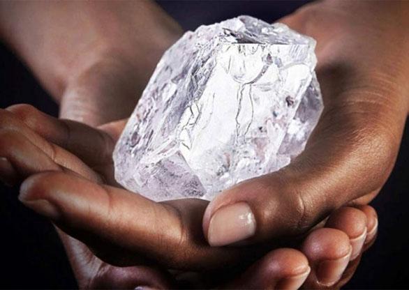 bd2a54bf75b Primeiro leilão de diamantes da Angola será realizado em Luanda