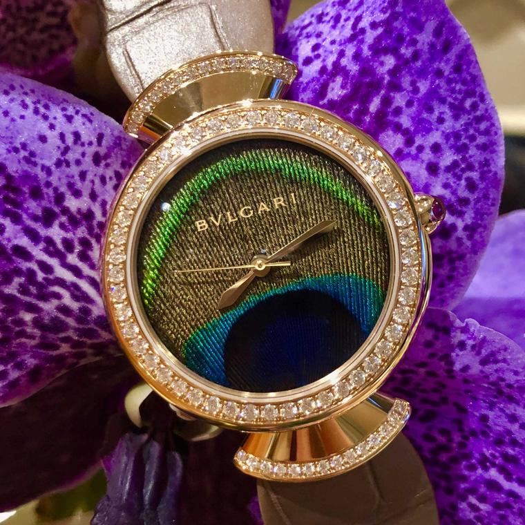 01b0dd4db96 Há relógios de luxo femininos e os Bulgari estão cada vez mais marcados com  um estilo sedutoramente auto-confiantes. Enquanto o modelo masculino Octo  ...
